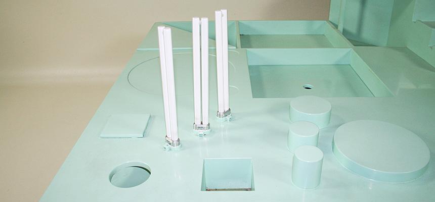 http://www.designersdraft.de/wp-content/uploads/Alison_and_Peter_Smithson_collectors_table_8.jpg