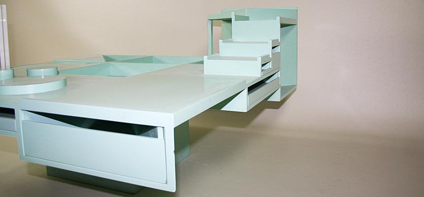 http://www.designersdraft.de/wp-content/uploads/Alison_and_Peter_Smithson_collectors_table_9.jpg