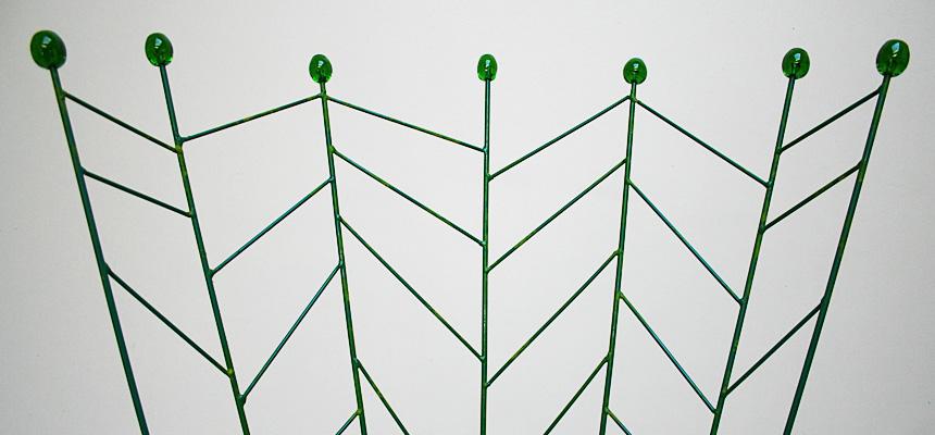 http://www.designersdraft.de/wp-content/uploads/Bohuslav_Horak_pupeny_chair_5.jpg