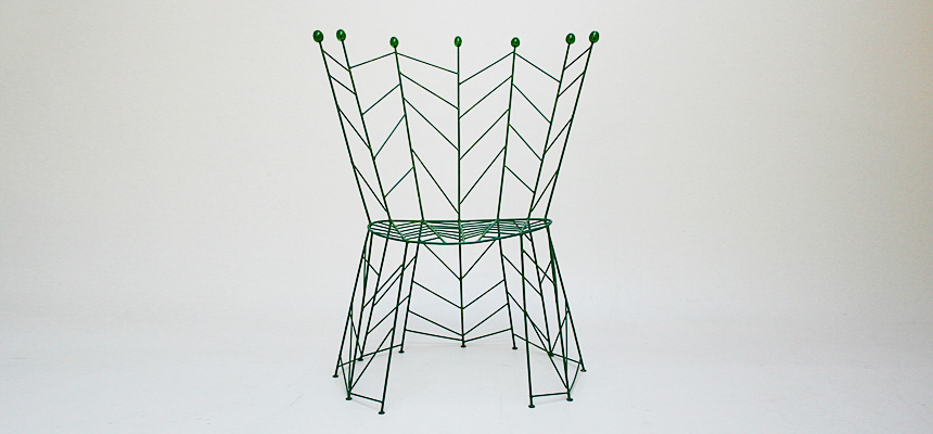 http://www.designersdraft.de/wp-content/uploads/Bohuslav_Horak_pupeny_chair_7.jpg