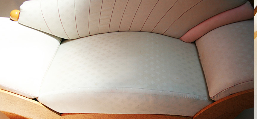 http://www.designersdraft.de/wp-content/uploads/Hans_Hollein_marilyn_sofa_6.jpg
