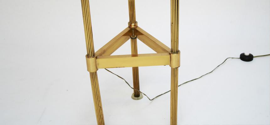 http://www.designersdraft.de/wp-content/uploads/floor_lamp_italy_60s_11.jpg